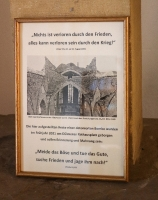 Ausstellung einer Fliegerbombe in der Viktorkirche